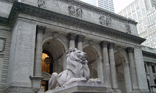 Stone lion outside the New York Public Library